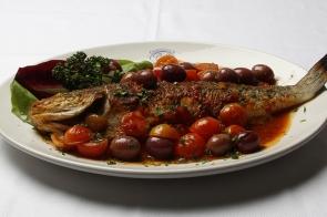 Branzino alle Olive Nere e Pomodorini