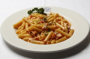 Penne with Smoked Salmon and Cream Sauce