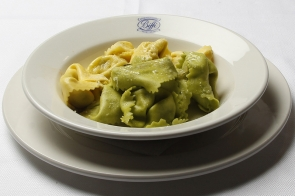 Tortelloni with Sage and Butter Sauce