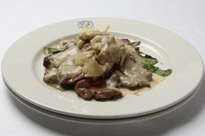 Tagliata di Manzo con Rucola e Parmigiano